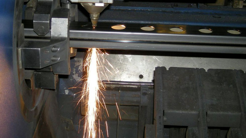 Rupp Metalltrend, Rohre bearbeiten, Laserschneiden